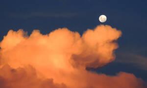 Pełnia Różowego Księżyca już dzisiaj! Tego widowiska nie można przegapić