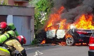 Pożar samochodu z dzieckiem