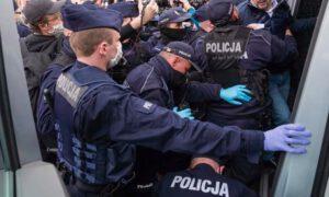 Kary za hejt na policjantów będą wyższe? Szef MSWiA chce zaostrzenia przepisów
