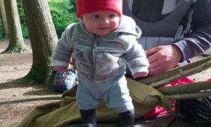 Najsilniejsze niemowlę świata. Ma dopiero 15 tygodni i już potrafi stać!