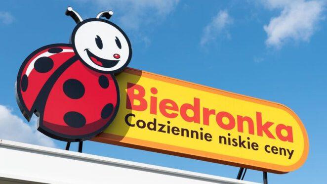 pracownica Biedronki apeluje o ściąganie maseczek