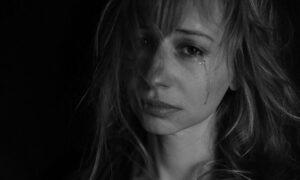 Wzrost przemocy domowej w trakcie pandemii. Ofiary pokazują swoje rany