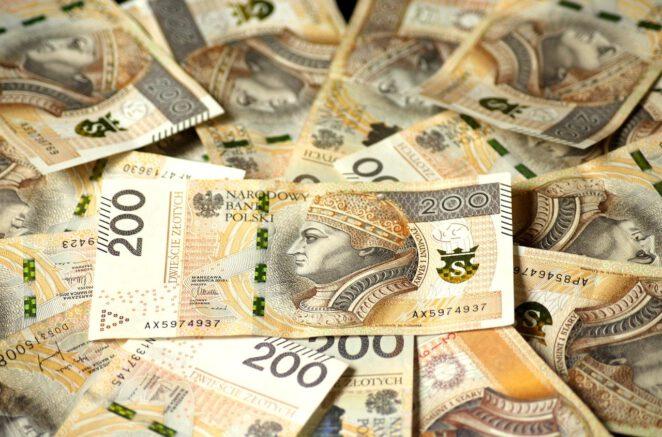 4200 złotych dla bezrobotnych 2