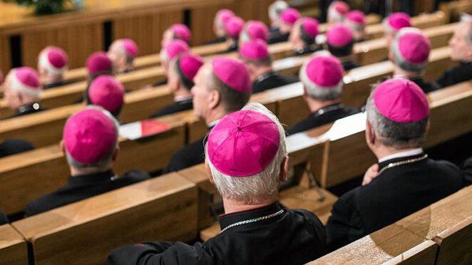 Nowy rekord wydatków państwa na składki duchownych