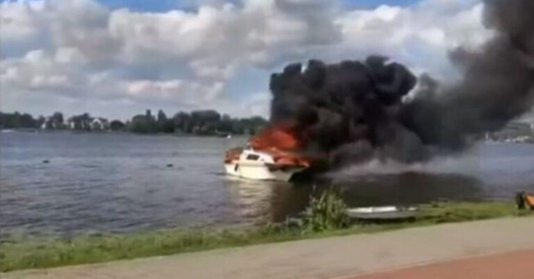 Pożar dwóch łodzi