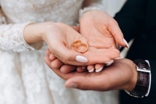 Przejęcie nazwiska po ślubie