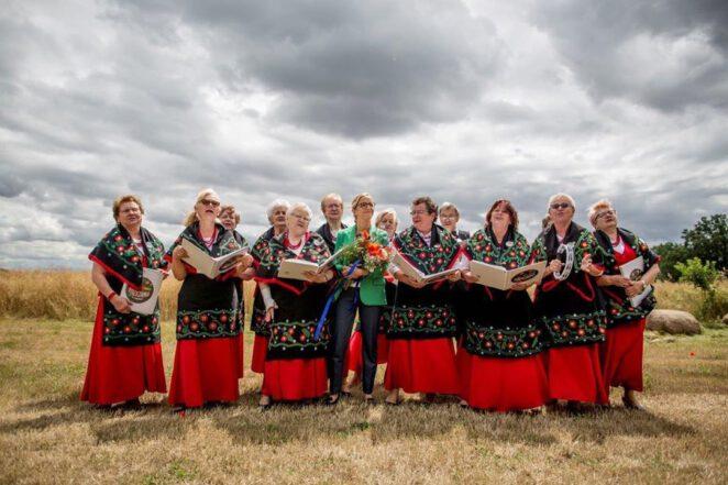 Trzaskowska poczuła klimat ludowej muzyki