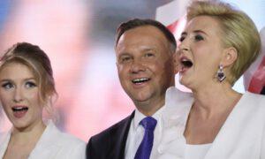 Wpadka Agaty Dudy podczas wieczoru wyborczego. Andrzej błyskawicznie zareagował