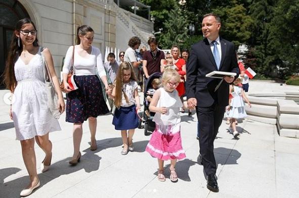 zakaz adopcji dzieci przez homoseksualistów 3
