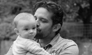 Zmarł na powikłania po koronawirusie. 42-letni aktor nie żyje