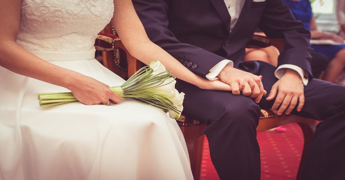 Co kryje się w ślubnych kopertach