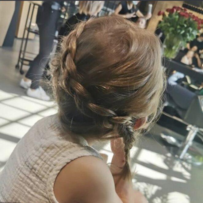 Lewandowska z córką u fryzjera