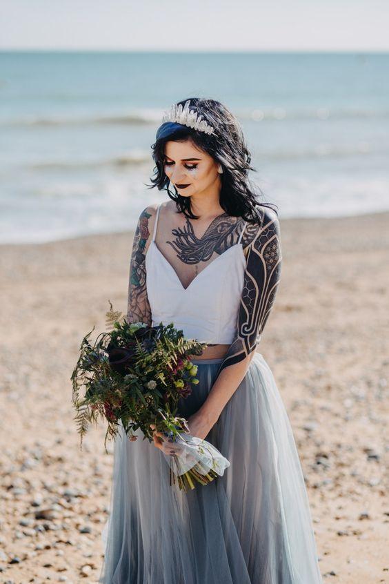 Suknia ślubna a tatuaże
