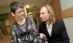 Niepełnosprawna kobieta odmawia pomocy. Żyje w biedzie, ale pomaga innym