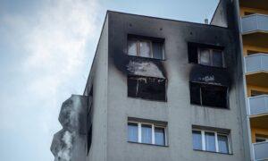 Pożar w Bohuminie. Mieszkańcy bloku skakali z okien na 11. piętrze