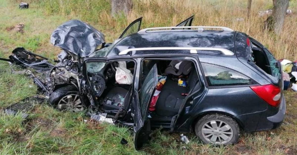 wypadek na drodze 323
