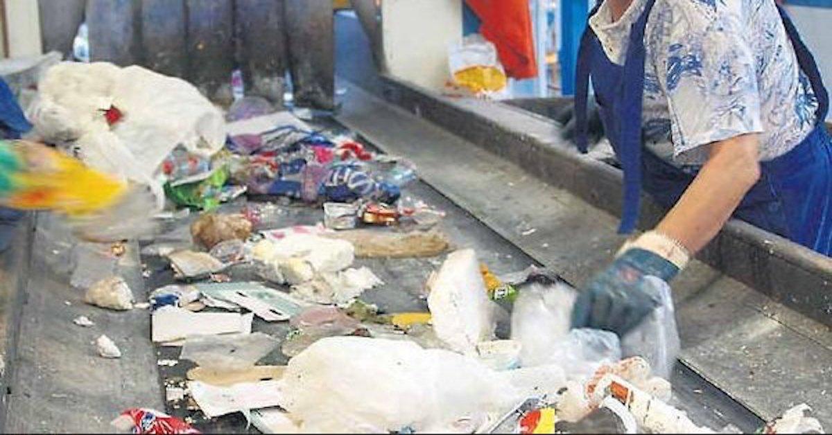 Zwłoki nowordoka w sortowni odpadów