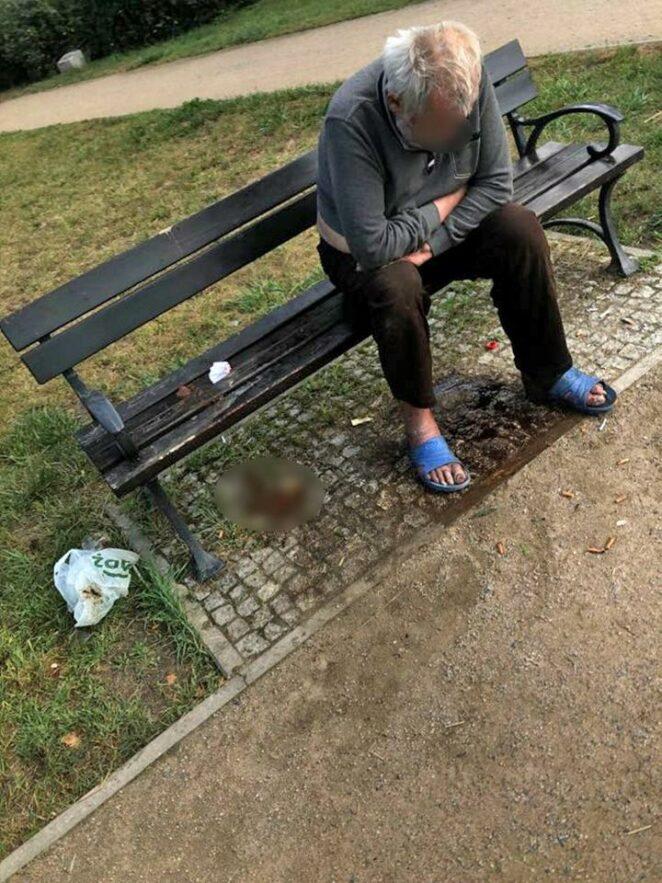 bezdomny zmarł pod szpitalem 2