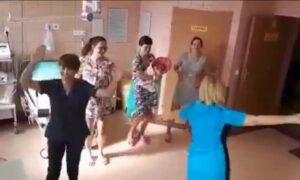 Położne tańczą na porodówce. Filmik z ich udziałem stał się hitem Internetu