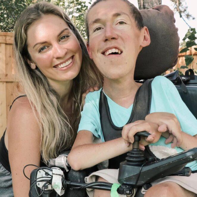 poślubiła niepełnosprawnego mężczyznę