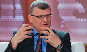 Dr Paweł Grzesiowski stracił pracę. To kara za krytykę działań rządu?