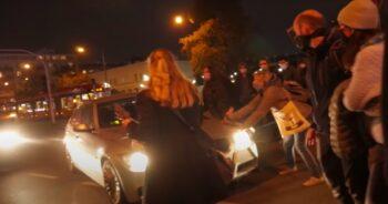 Kierowca potrącił uczestniczki protestu