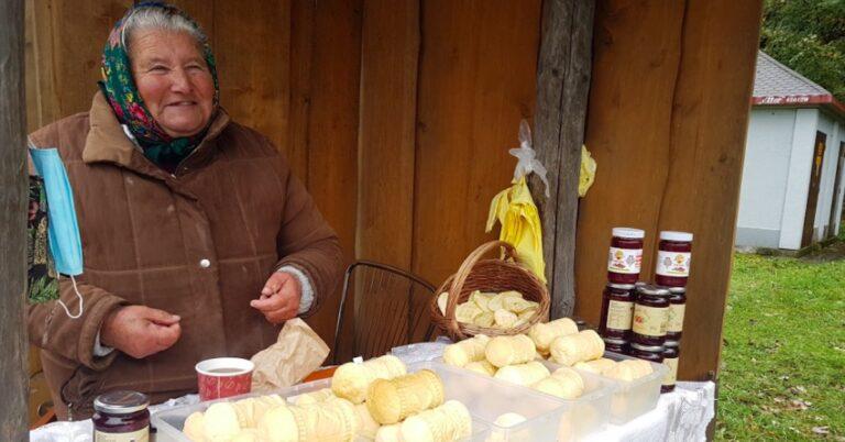 Ma 81 lat i nadal sprzedaje oscypki