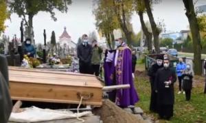 Nietypowy pogrzeb księdza Olszewskiego. Duchowny miał COVID-19