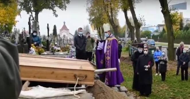 Nietypowy pogrzeb księdza