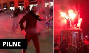 Warszawa: Pseudokibice zaatakowali protestujących. Są pierwsze ofiary