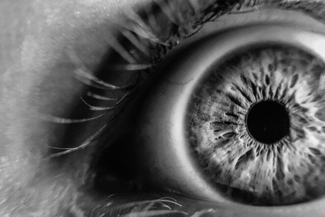 Koronawirus w oczach