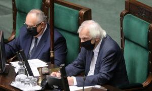 """PiS przegrywa walkę w sejmie. Nie udało się szybko """"przepchnąć ustawy"""""""