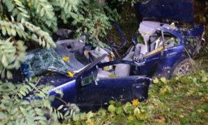 Wypadek w okolicy Lublina. W roztrzaskanym samochodzie ciało ojca i syna