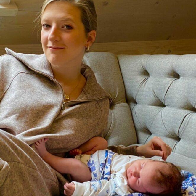 Magda Gessler pozuje z wnuczką