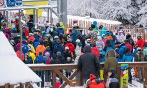 Dzikie tłumy na stoku w Krynicy. Zarządcy wyłączyli kamery, by uniknąć skandalu