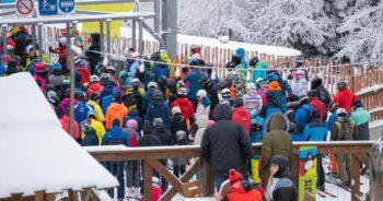 dzikie tłumy na stoku w Krynicy
