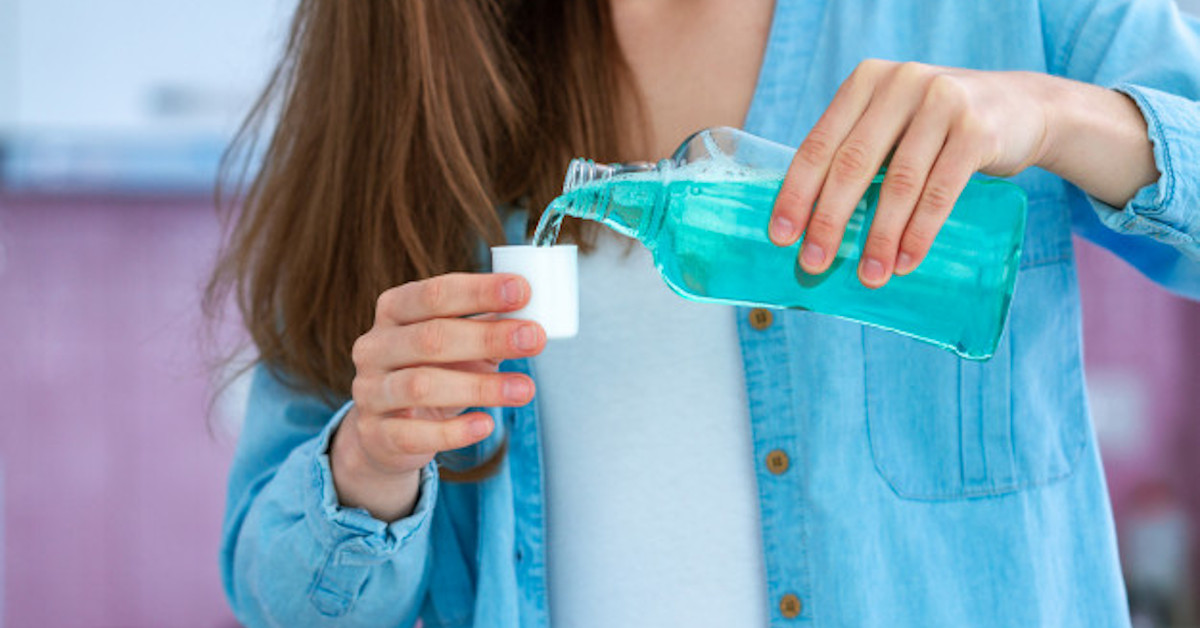 płyn do ust niszczy koronawirusa