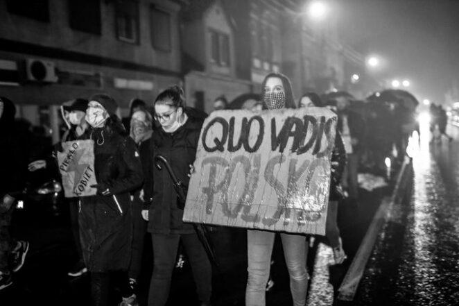 protest przed radiem Maryja 3