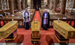 Potrójny pogrzeb. Matka i jej dwóch synów przegrali walkę z koronawirusem
