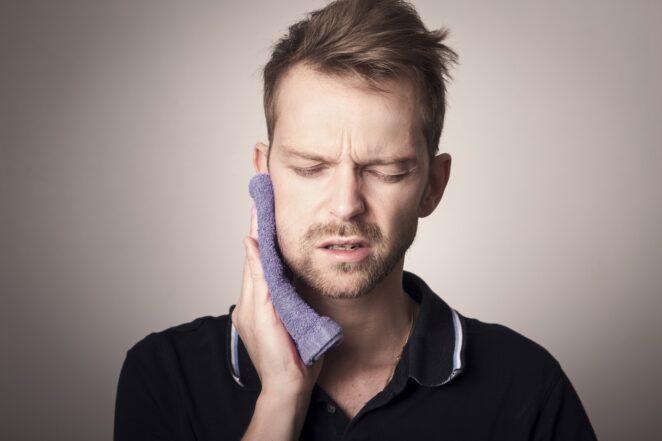 Koronawirus niszczy zęby
