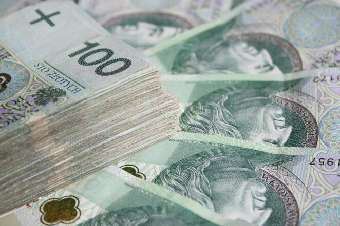 oszuści płacą banknotami prezentowymi 3
