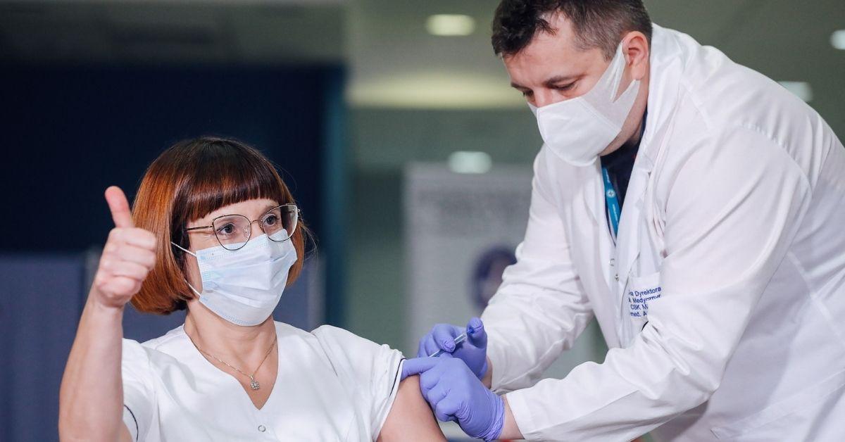 Pierwsza zaszczepiona osoba