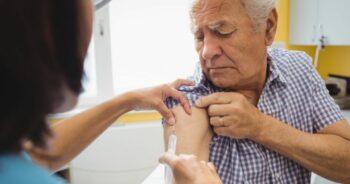 Szczepionka bezpieczna dla seniorów
