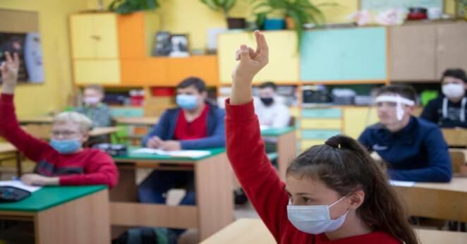 Koronawirus w czterech szkołach