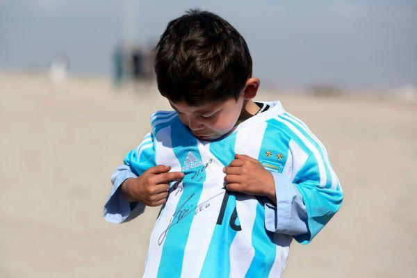 Dostał koszulkę od Messiego