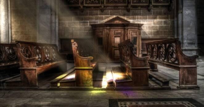 Ksiądz żądał pieniędzy za apostazję