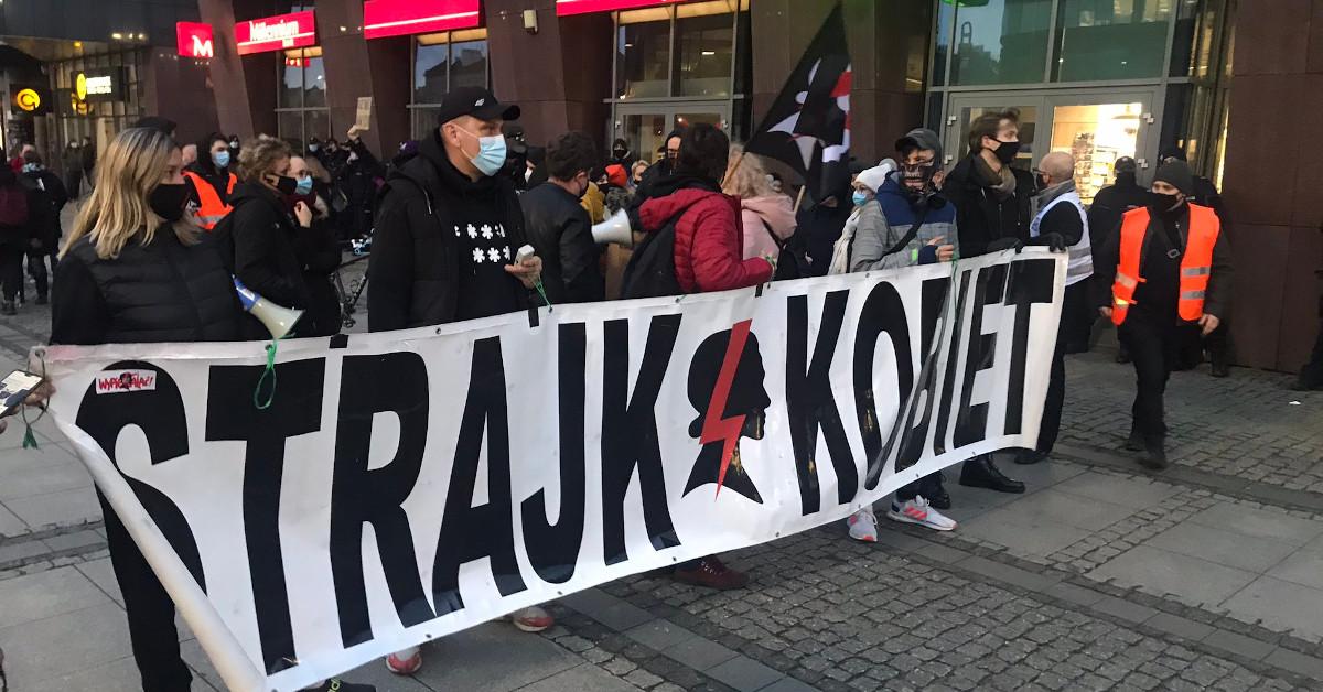 protest przeciwko legalizacji przemocy