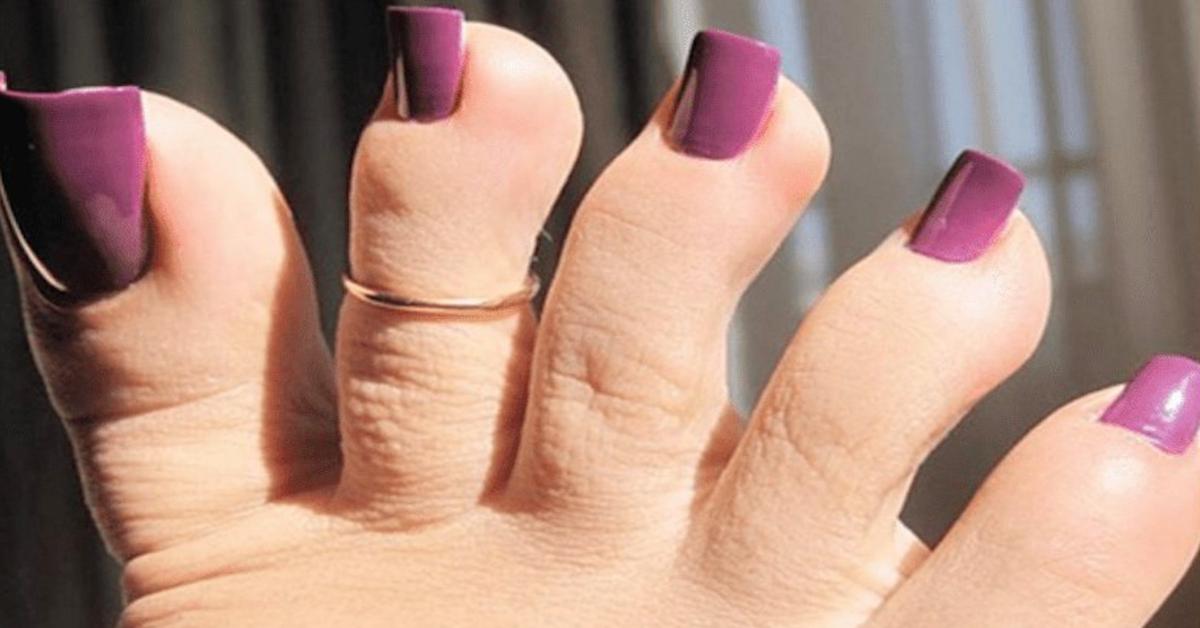Moda na długie sztuczne paznokcie