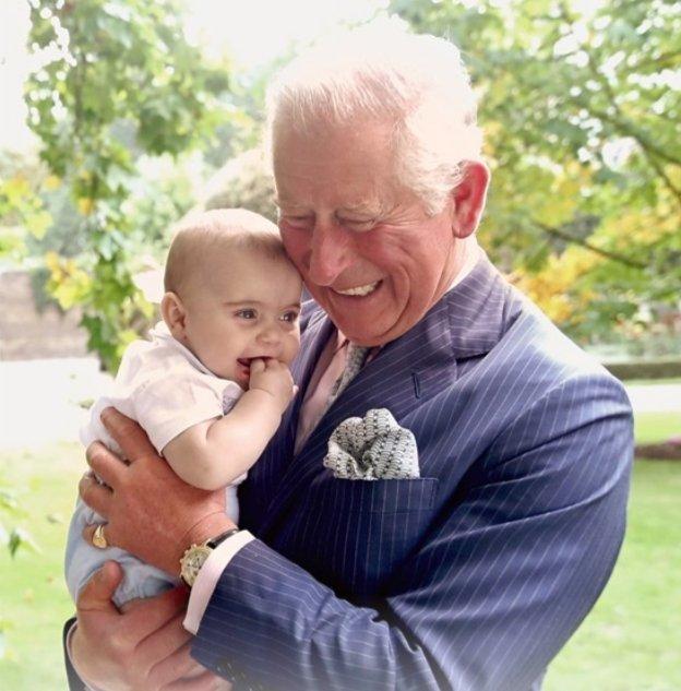 książę Karol wyśle krewnych do pracy 3