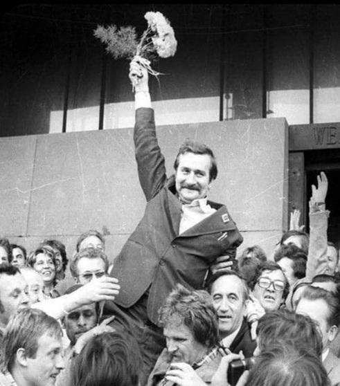 Lech Wałęsa nadal szuka pracy 5